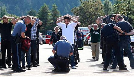 Students surrender to police for bag inspection at UCC, Oregon